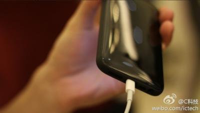 iPhone-baixo-custo-traseira-lightning