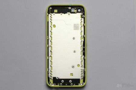 yellow_plastic_iphone_inside