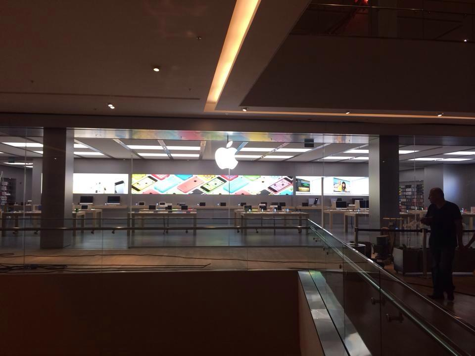 Apple-Store-VillageMall-preparativos-3