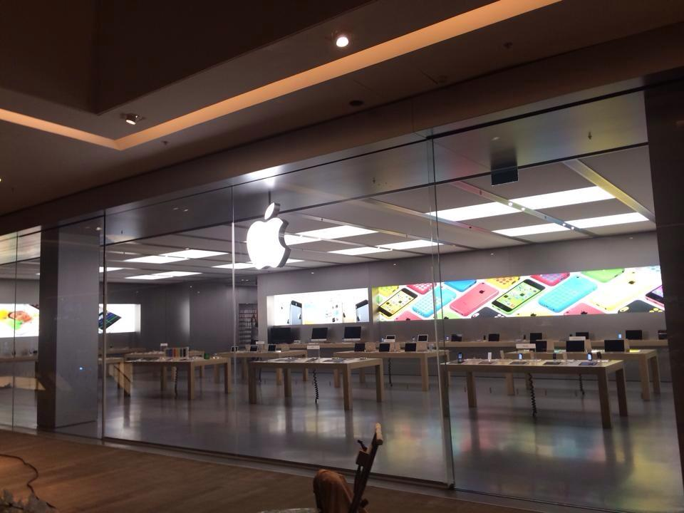 Apple-Store-VillageMall-preparativos