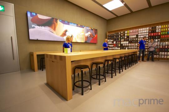apple-store-freie-strasse-basel-eroeffnung-17__mittel