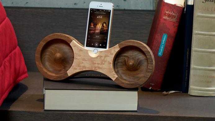 eigth-speaker