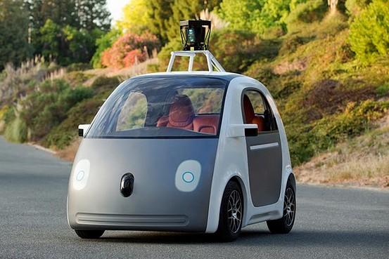google-volta-atras-e-colocara-volante-e-pedais-em-seu-carro-autonomo