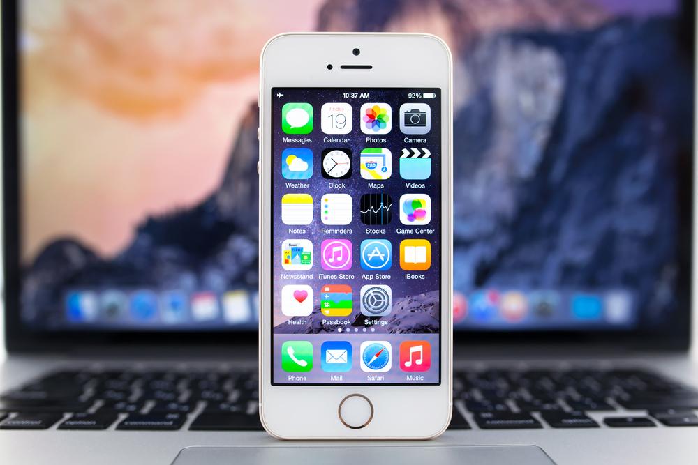 shutterstock-iphone-macbook
