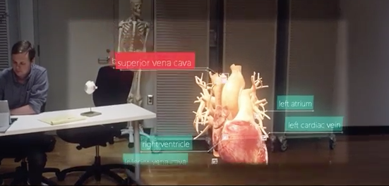 demonstracao-da-microsoft-hololens-mais-pe-no-chao
