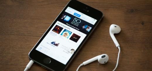 shutterstock_iPhone-earpod